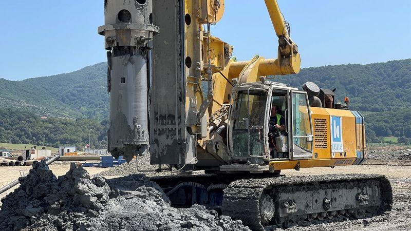 أعمال تحسين التربة لميناء فليوس ومرفق تشغيل الغاز الطبيعي