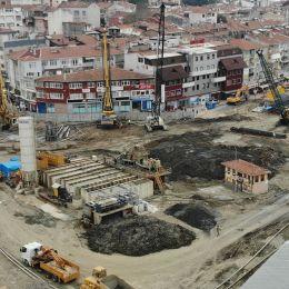 Работы по креплению и строительству сверху-вниз на проекте Ускюдар Хакимияти Милли Базар и подземная парковка.