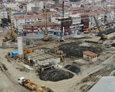 أعمال السند الخاصة بالسوق وساحة انتظار السيارات تحت الأرض والخوازيق من أعلى إلى أسفل في Üsküdar Hakimiyeti Milliye.